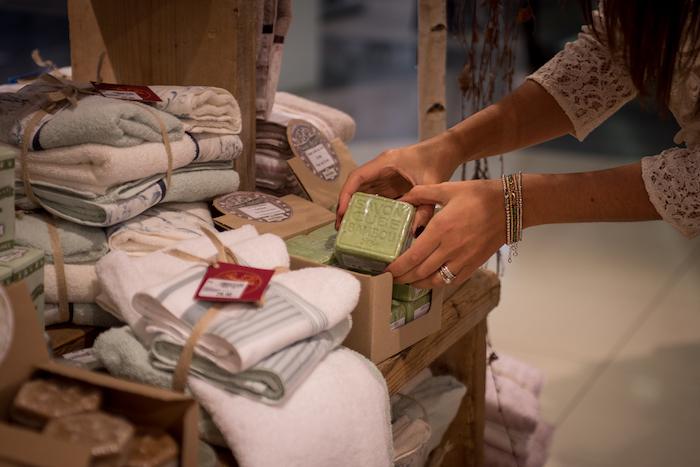 Berton magazzini e la qualit dei suoi tessili per la casa galline padovane - Tessili per la casa ...